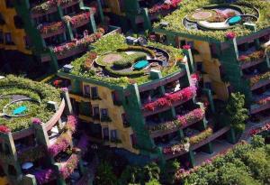 Apartments in Phuket, Thailand. Pic via sreetartutopia.com