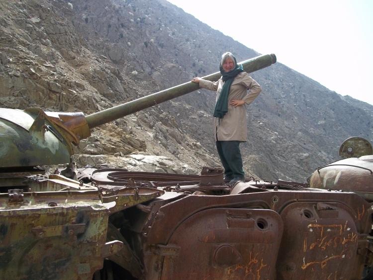 linda-on-soviet-tank